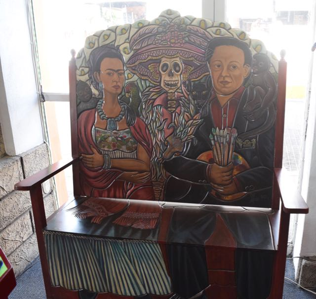 Frieda and Diego are used to sell all kinds of garbage down here, but I would totally buy this bench.